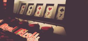 7 Uusimmat ja korkeimmat palkitut pelit jotka tulivat vuonna 2019 Narcos 300x142 - 7 Tuoreinta ja parhaiten arvosteltua kolikkopeliä vuonna 2019
